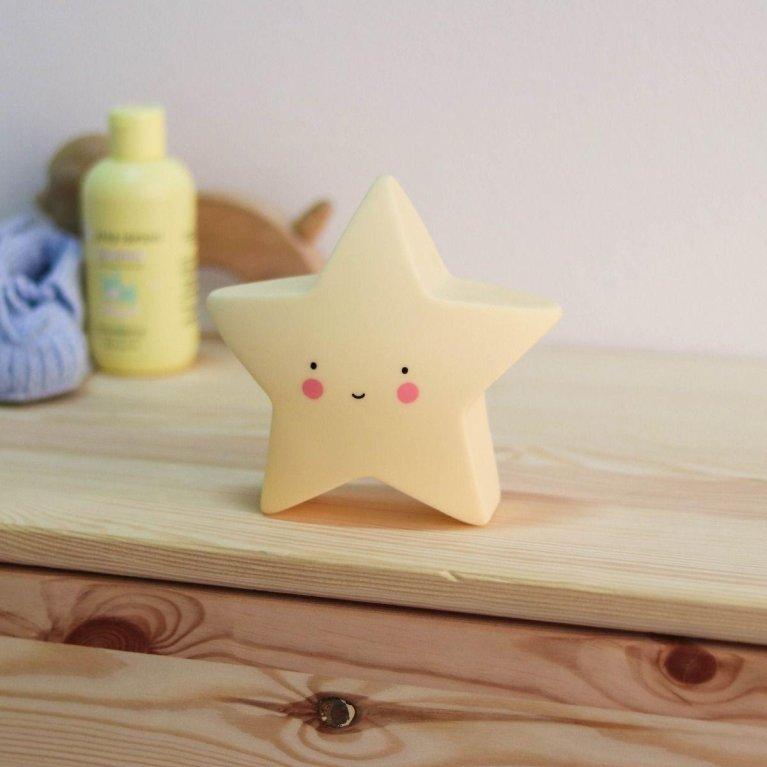 Luz de noche estrella pequeña amarilla - A Little Lovely Company