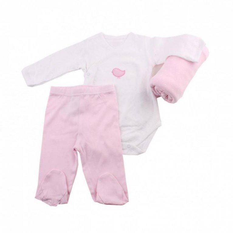 Cesta bebé con ropita rosa