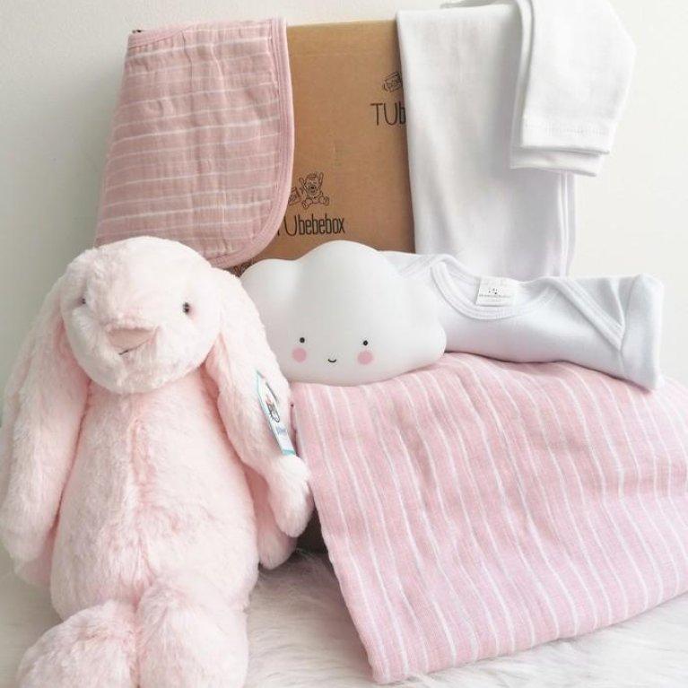 Canastilla para bebé personalizada en tonos rosas