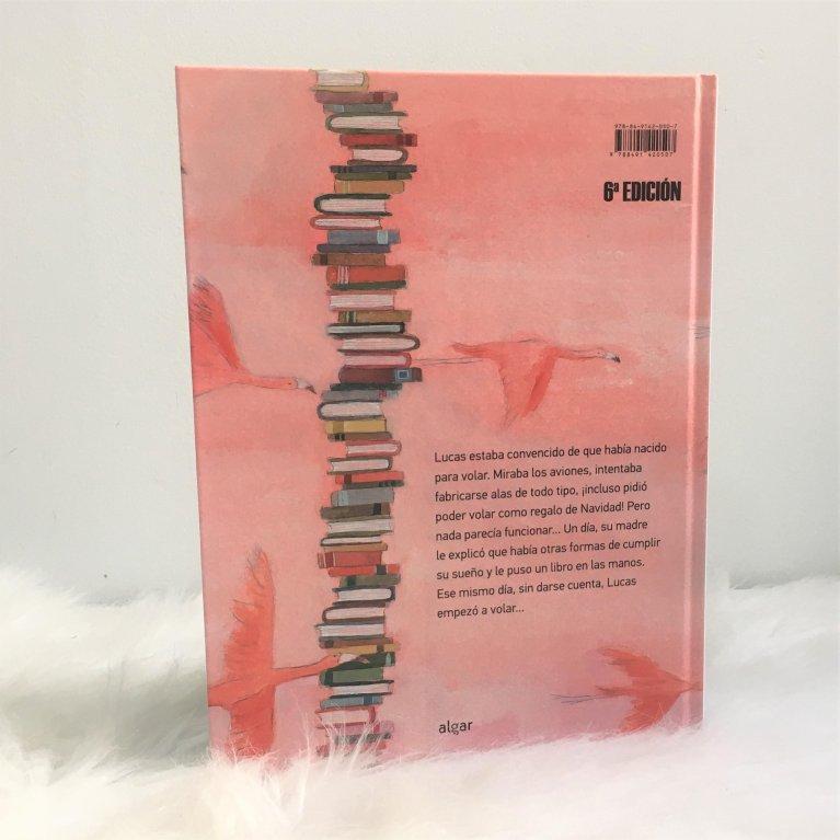"""Cuento infantil """"Montaña de libros más alta del mundo"""""""