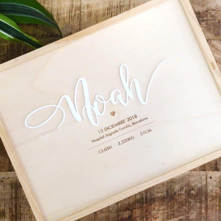 Caja de nacimento personalizada