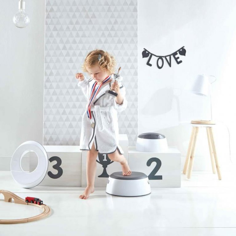 Escalón de baño para niños de Luma