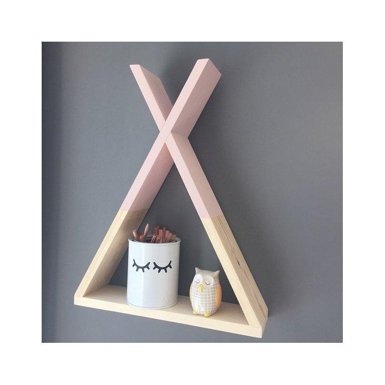 estantería de madera en forma de tipi indio