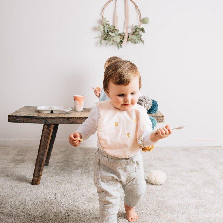 """Babero hecho a mano para bebé y niño """"Conejito"""" ROSA"""