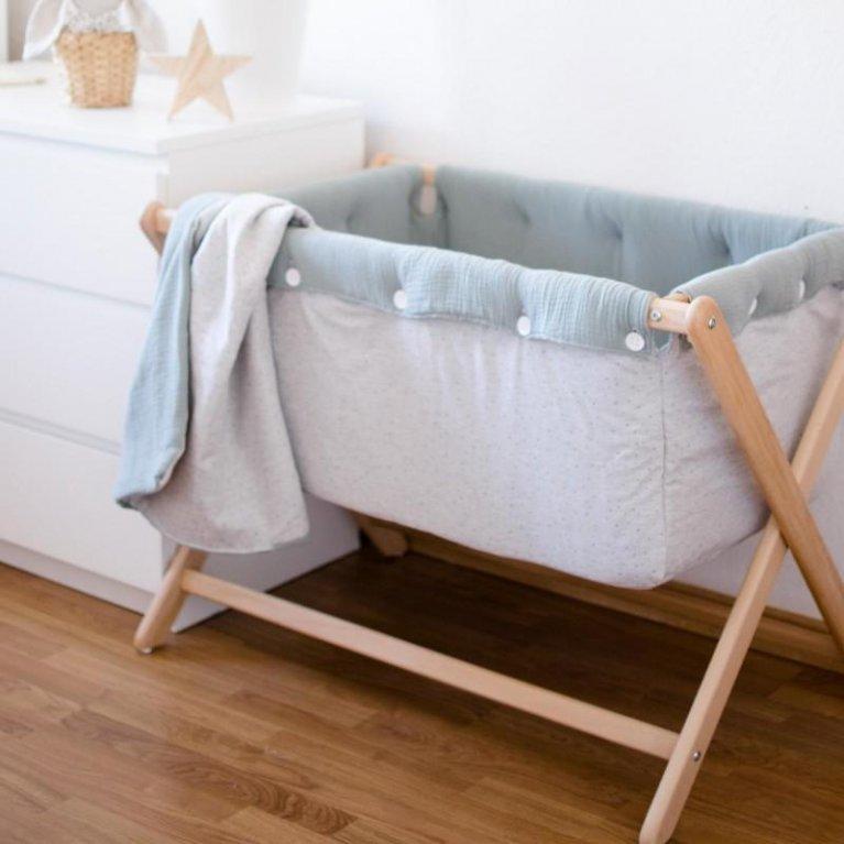 Mini cuna con vestidura para bebé hecha a mano - Nonotú