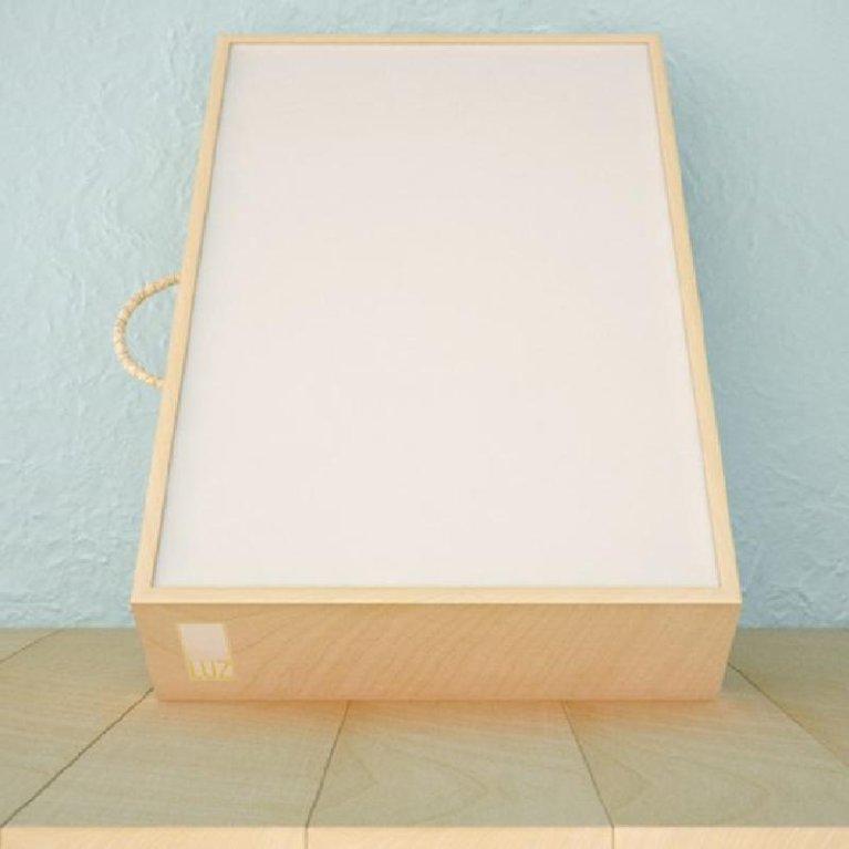 Caja de luz infantil de madera filosofía Reggio Emilia - Mamá Luz