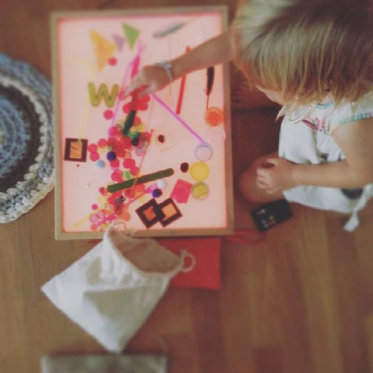 Los mejores regalos para beb s embarazadas y padres - Caja de luz de madera ...